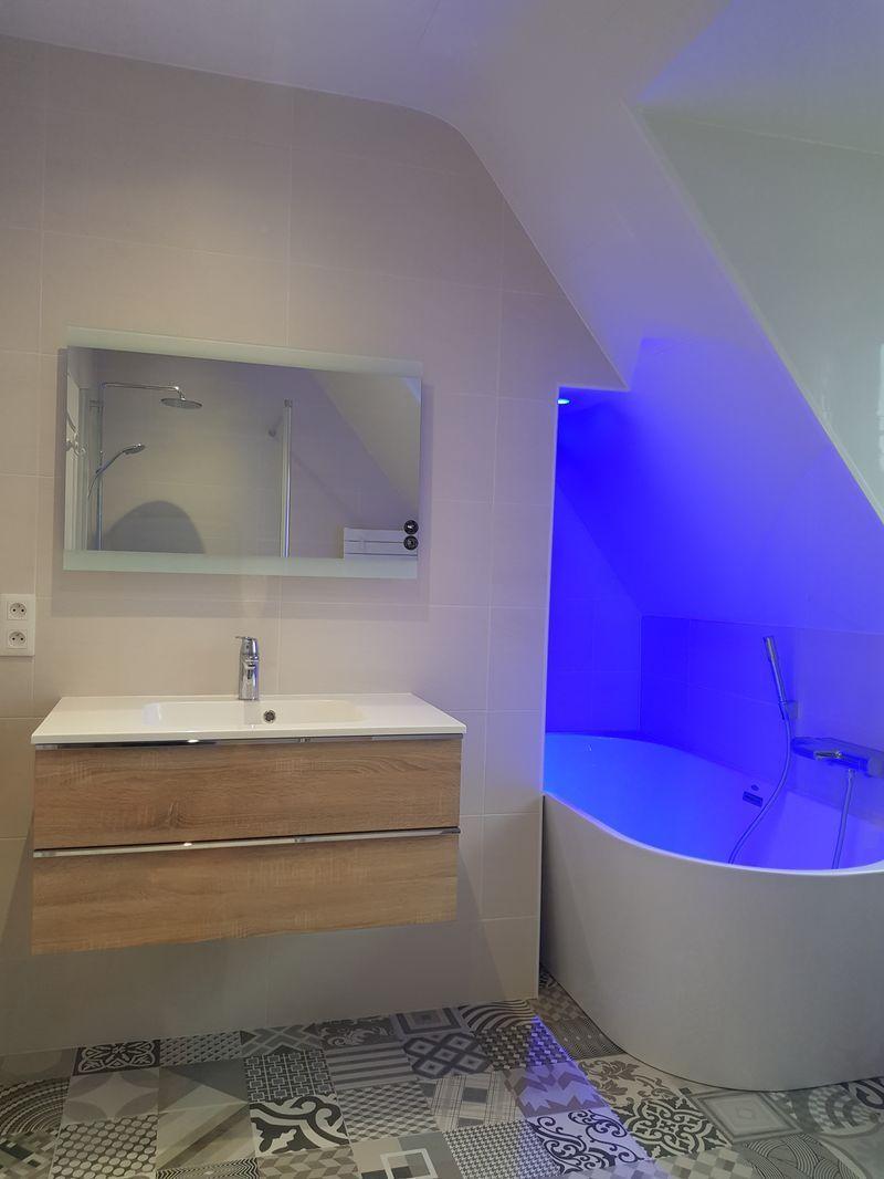 Réalisation de salles de bains modernes